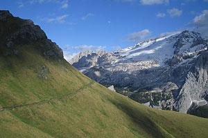 marmolada Dolomiti trekking vie ferrate