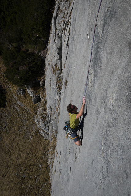 Florian Klingler su Woher Kompass, 8a+ 120m, Waidringer Steinplatte, Austria, David Lama