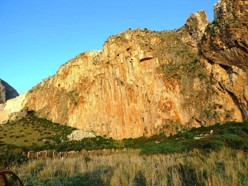 Never Sleeping Wall - San Vito Lo Capo, Sicilia, N. Noè