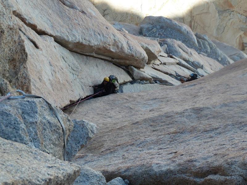 In scalata nella fessura off-width, Marcello Sanguineti