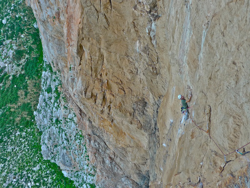 Blow it up on the internet (200m, 7b+, Chris Kalous, Jonathan Thesenga 11/2011) Monte Monaco, Sicily, Jonathan Thesenga