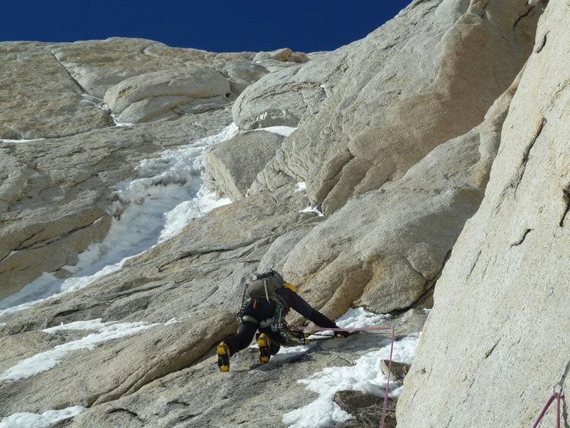 Aguja Poincenot, Patagonia. Il primo tiro di misto, Marcello Sanguineti]
