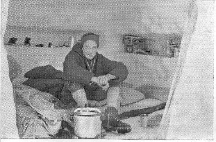 Spedizione 1962 - Nella cueva, fonte Irish Indipendent
