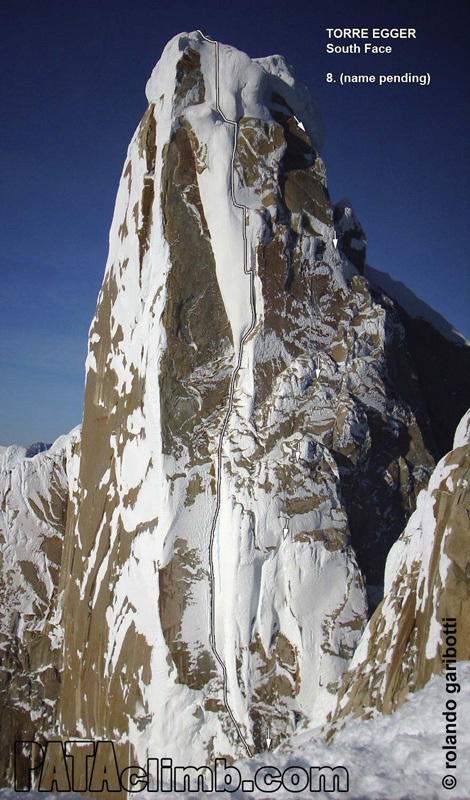 The south face of Torre Egger in Patagonia and the line of the route established by the Norwegians Bjørn-Eivind Aartun and Ole Lied in December 2011., Rolando Garibotti