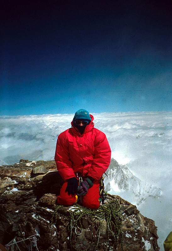 Nives Meroi on the summit of K2, Romano Benet