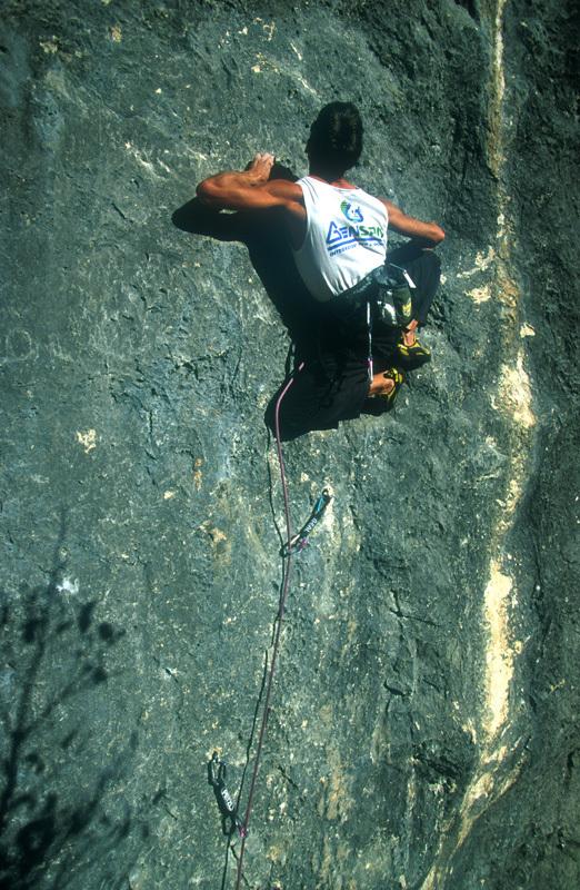 Manolo climbing L' Arte di salire in alto 8c at Celva , Daniele Lira