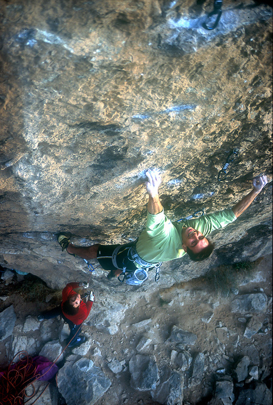 François Legrand climbing Necessary evil 5.14c, 8c+, Virgin River Gorge (USA), archivio François Legrand