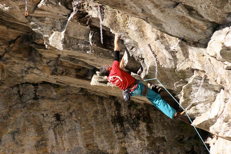 Severino Scassa climbing L Coup 'd Roure 8a, Coup di Rore, archivio Scassa