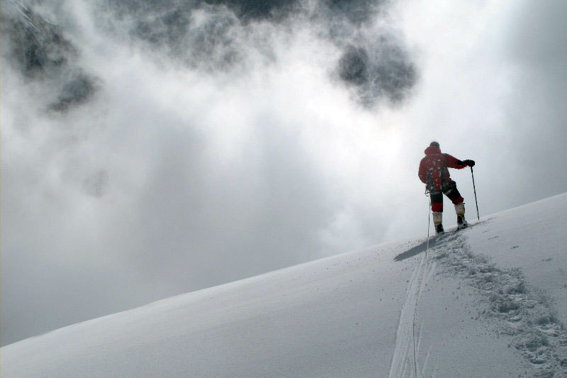 Simone Moro and Denis Urubko ascending towards Nanga Parbat., Moro - Urubko