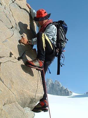Gianluca Bellin climbing Serra, Boscolo / Bellin