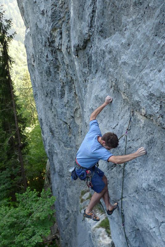 Andrea Polo climbing il Principe della falesia 7c+, Alta Val Aupa, Andrea Polo