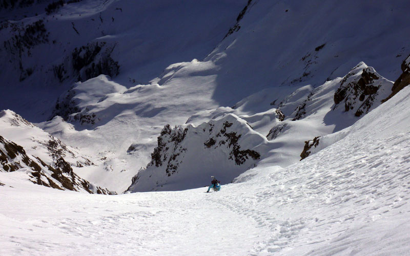 On 13/02/2012 Davide Capozzi and the Mountain Guide Stefano Bigio carried out a first ski and snowboard descent on Mont Rochefort (Mont Blanc)., archivio Davide Capozzi