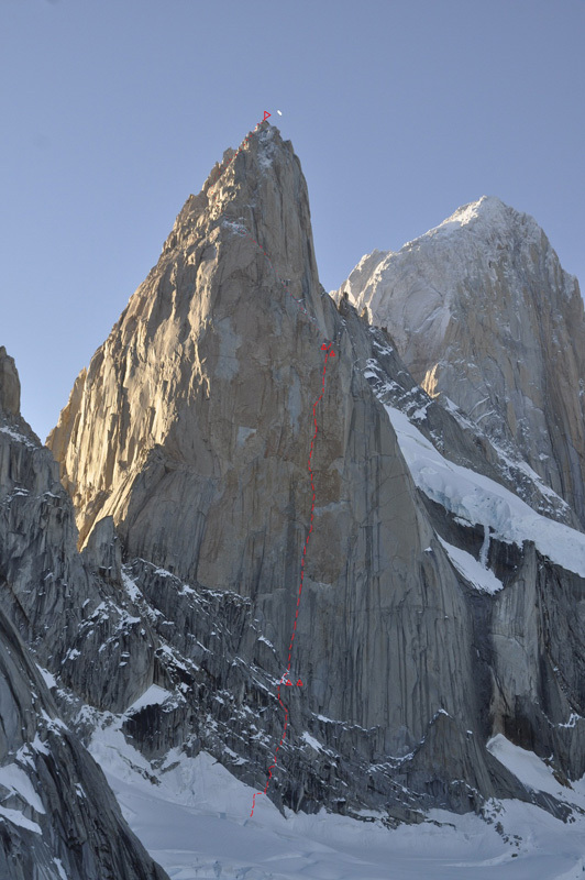 Via Russo (1600m (750m new terrain) 6b (ABO) A4 M4) up the SE Face of Aguja Poincenot in Patagonia, archivio Team Russo