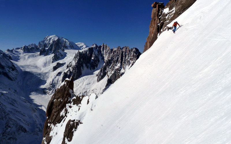 On 21/02/2012 Davide Capozzi, Julien Herry, Stefano Bigio, Francesco Civra Dano and Luca Rolli carried out a rare ski and snowboard descent of the SE Face of Aiguille du Moine (Mont Blanc)., archivio Davide Capozzi