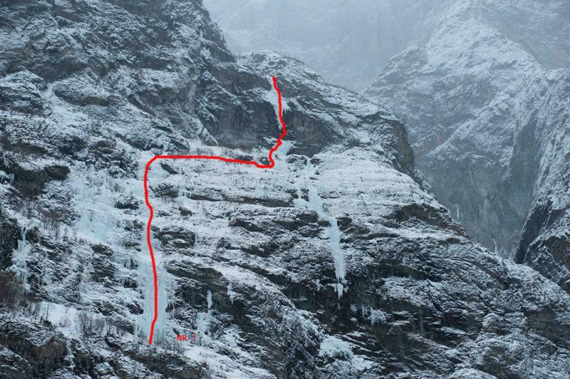 Surprice (WI6+/M8 350m Papert, Senf 04/02/12) Litldalen Sunndalsöra, Thomas Senf