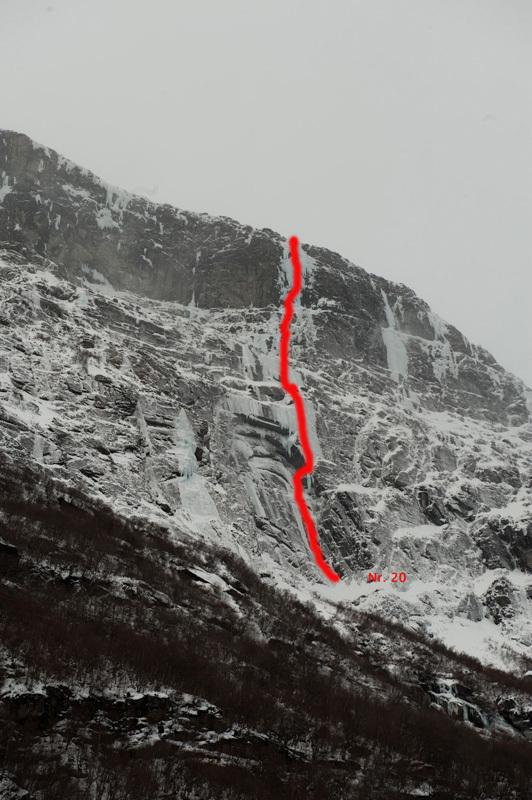 Lange Wand, Sunndalen WI6 600m, Thomas Senf