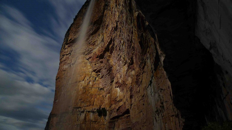 Kids With Guns (5.13a, A3, E6 6c) Amuri Tepui in Venezuela, archive George Ullrich