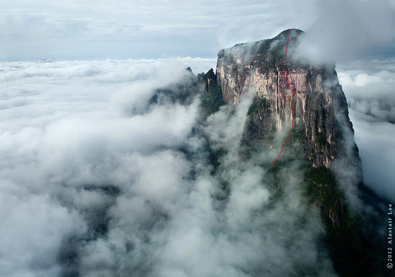 Cerro Autana in Venezuela, and the line of The Yopo Wall (400m, E6 6b, A1, 28/01 - 05/02/2012 Leo Houlding, Jason Pickles, Stanley Leary, Alastair Lee, Yupi Rangel, Alejandro Lamus)., Alastair Lee