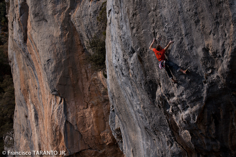 James Pearson redpointing Escalatamasters 9a at Perles in Spain., Francisco Taranto
