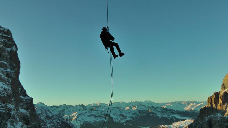 Abseiling above Val Brenta, archivio Larcher, Giupponi e Leoni