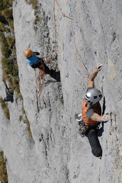 Stephan Siegrist on the delicate sixth 7b pitch, Marco Spataro
