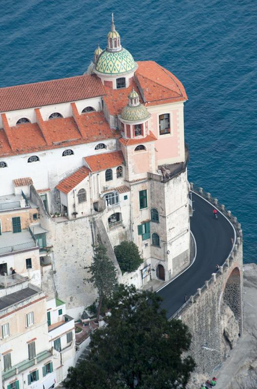 L'assolutamente splendida Atrani vista dal sentiero per Torre dello Ziro, Pietro Bagnara