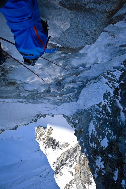 31/03/2012: David Lama climbing Badlands (700m, 6a M5 WI4 A1), Valsertal, Tyrol, Austria, David Lama