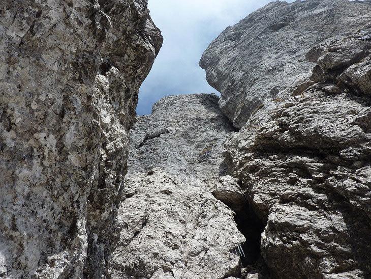 La Via Chiappa sale al centro della parete Torrioni Magnaghi Settentrionale in Grignetta, Ivo Ferrari