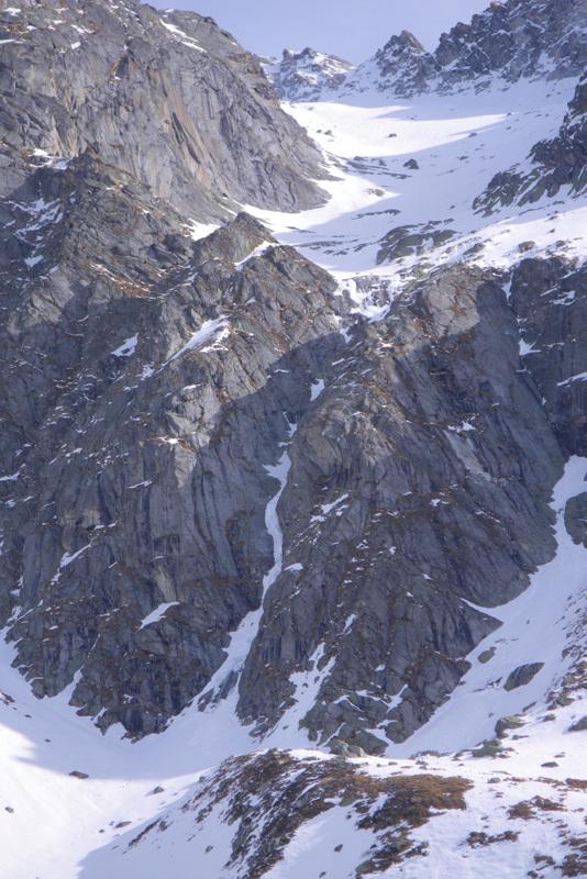Andrea Guerzoni e Dario Sandrini durante l'apertura di Cuore di Zucca (5+, 700m) al Corno Zuccone, Adamello, Andrea Guerzoni