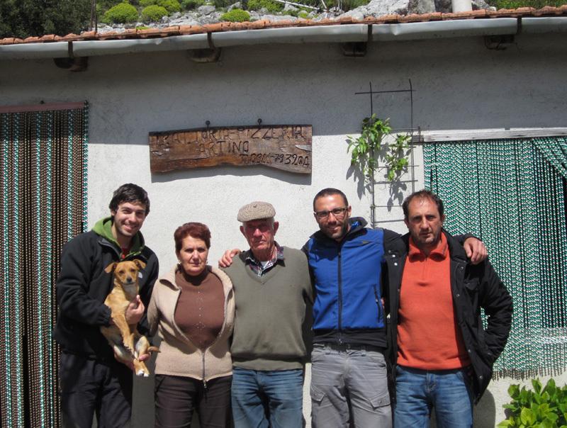 In compagnia della Famiglia Artino festeggiamo la prima libera de Il Paradiso all'improvviso, archivio Max Flaccavento