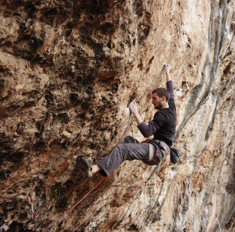 Silvio Reffo on Jungle Pockets 8b+ a Lumignano, Giovanna De Vicari
