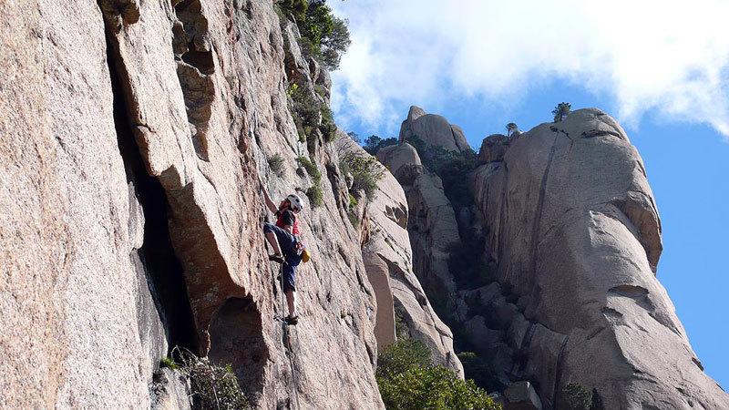 Luca Giupponi sul primo tiro di Tafunata Galattica (7a+), Contrafforti di Punta A Muvra, Bavella, Corsica, Rolando Larcher