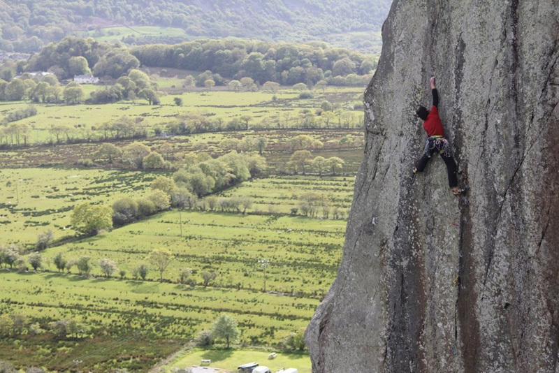 05/2012: Hansjörg Auer on-sighting Strawberries (E6 6c) at Tremadog, Wales. Freed by Ron Fawcett in 1980, it has only been climbed on-sight by Stefan Glowacz (1987) and Jorg Verhoeven (2011), Hotaches Production