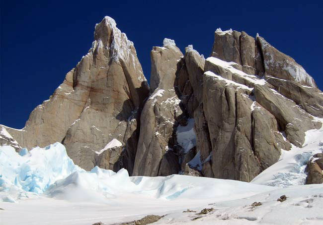 From left to right: Cerro Torre, Torre Egger, Punta Herron and Torre Standhardt, arch. E. Salvaterra - A. Beltrami