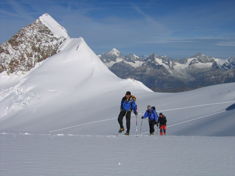 Ludwigshöhe: sulla parte alta del ghiacciaio del Lys in direzione della Ludvigshohe; dietro al Lyskamm la Corona Imperiale, Marco Zaninetti