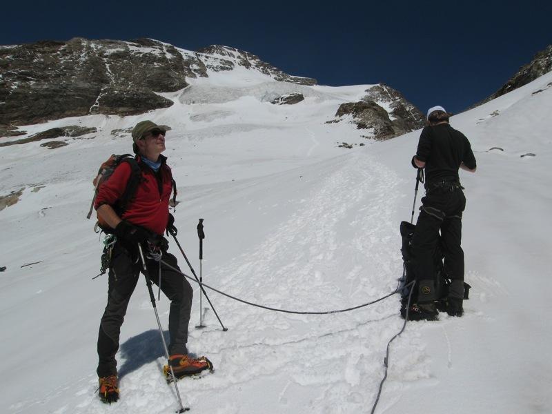 Punta Giordani: dalla base del ghiacciaio di Indren, uno sguardo sul percorso della normale alla Giordani, Marco Zaninetti