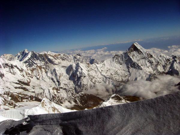 Machapuchare, Singhu Chuli, Tharpu Chuli dalla sommità della cresta Est, Tomaz Humar