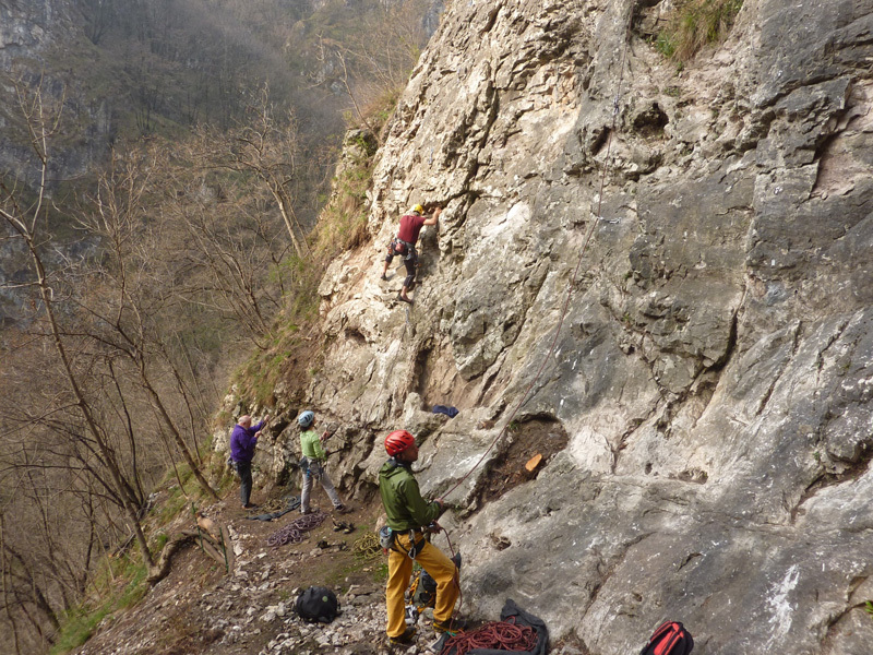 The base of the crag and the short single pitches., Stefano Codazzi