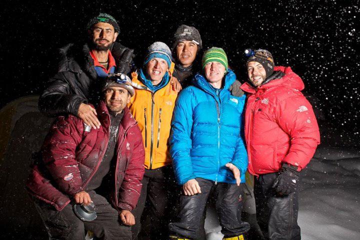 Tutto il gruppo riunito a Campo Base del Nanga Parbat, Matteo Zanga