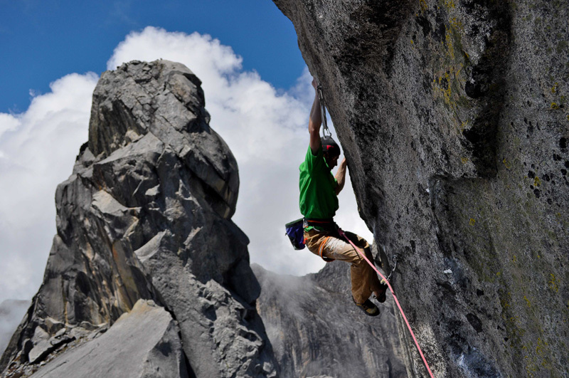 Daniel Woods on the top crux of Tinipi 9a+, James Pearson archive