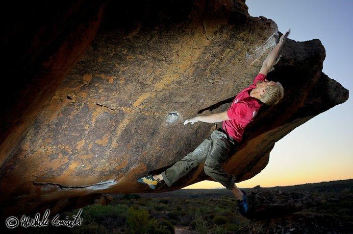 Lars Askgaard in volo a Rocklands, Sudafrica, Michele Caminati