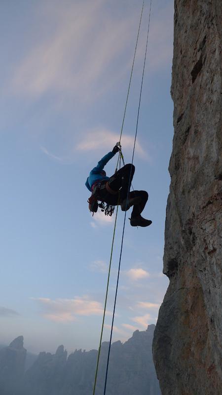 Mayan Smith-Gobat e David Falt durante la ripetizione di Donnafugata sulla Torre Trieste, Civetta, Dolomiti, David Falt