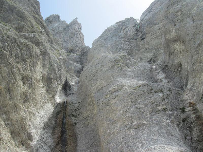 Sui colatoi di Vacanze romane (2070m, 43 tiri, EX-) parete Nord Monte Camicia (Gran Sasso)., archivio A. Di Pascasio, E. Pontecorvo