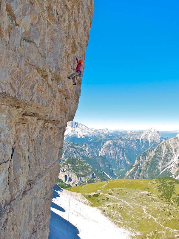 Stephanie Bodet on the beautiful traverso of Alpenliebe, Cima Ovest, Dolomites, Arnaud Petit