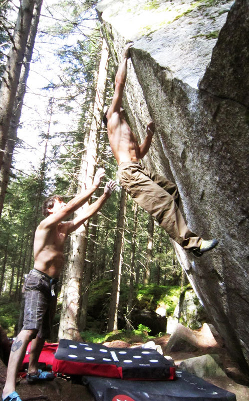 Mauro Calibani and Gerhard Hörhager bouldering in Zillertal, archivio M. Calibani