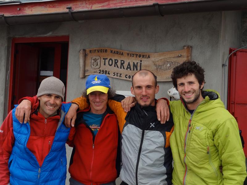 Nicola Tondini, Venturino de Bona, Alessandro Baù e Alessandro Beber al Rifugio Torrani, A. Beber