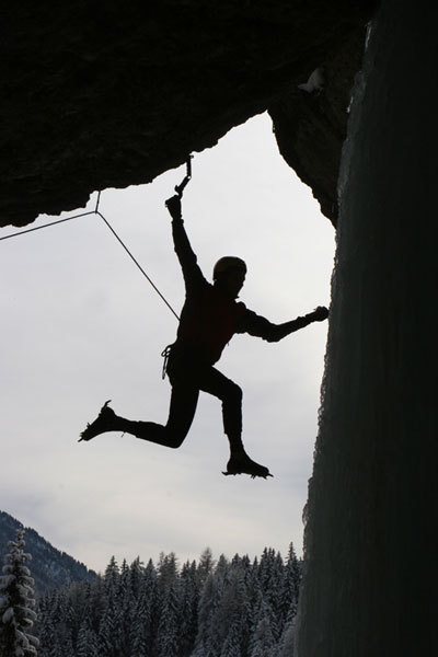Herbert Klammer in Fly in the Wind M10 (Grotta di Landro), arch. Florian Riegler