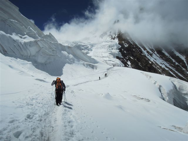 Ascent up to Camp 1 at 5600m., Cesare Cesa Bianchi / Mountain Kingdom