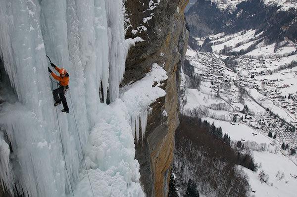 Robert Jasper climbing B.A.S.E, WI 6+, 420m, Lauterbrunnental, Switzerland, Klaus Fengler