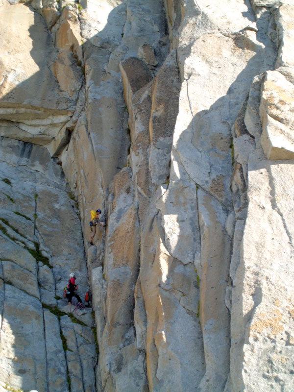 Speed Climbing (250m, VII e A1 - VIII in libera) parete Ovest della Prima Gobba del Monte Folletto, Carè Alto, Adamello), archivio Tameni, Rigosa